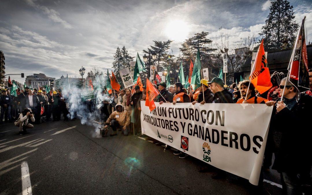 Por un futuro con agricultores y ganaderos. Manifestación en Rioja y Manifiesto